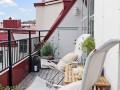 阁楼阳台的风景装饰效果图