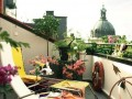 绿色植物装饰清新的阳台空间